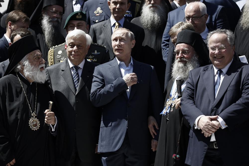 Putinden Rus Manastırına Ziyaret